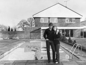 Glenn Hoddle and his wife Anne by their pool.