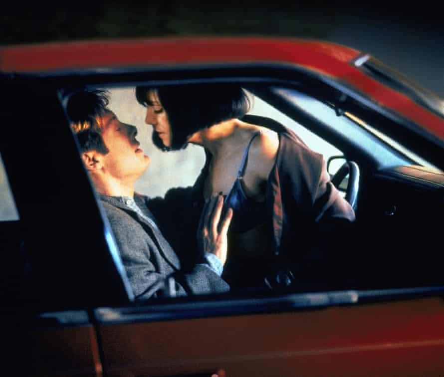 James Spader andHolly Hunter in Crash (1996).