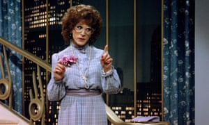 Imitating Dustin Hoffman in Tootsie is one way to understand women's experiences in the workplace but it doesn't need to be that extreme.