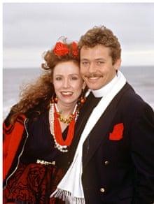 Giles Watling with fellow Bread actor Melanie Hill in 1990