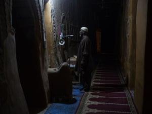 The 76-year-old muezzin of Djinguereber  mosque, Mahamane Mahanmoudou.