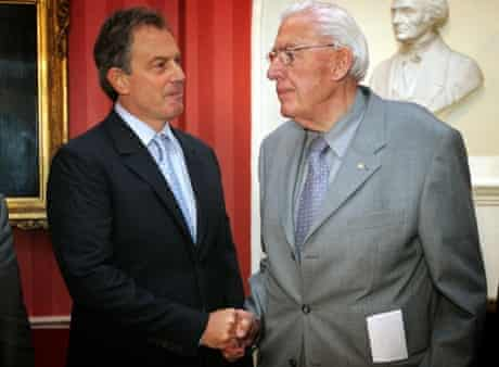 Dr Ian Paisley shaking hands with Prime Minister Tony Blair in Jun 2005
