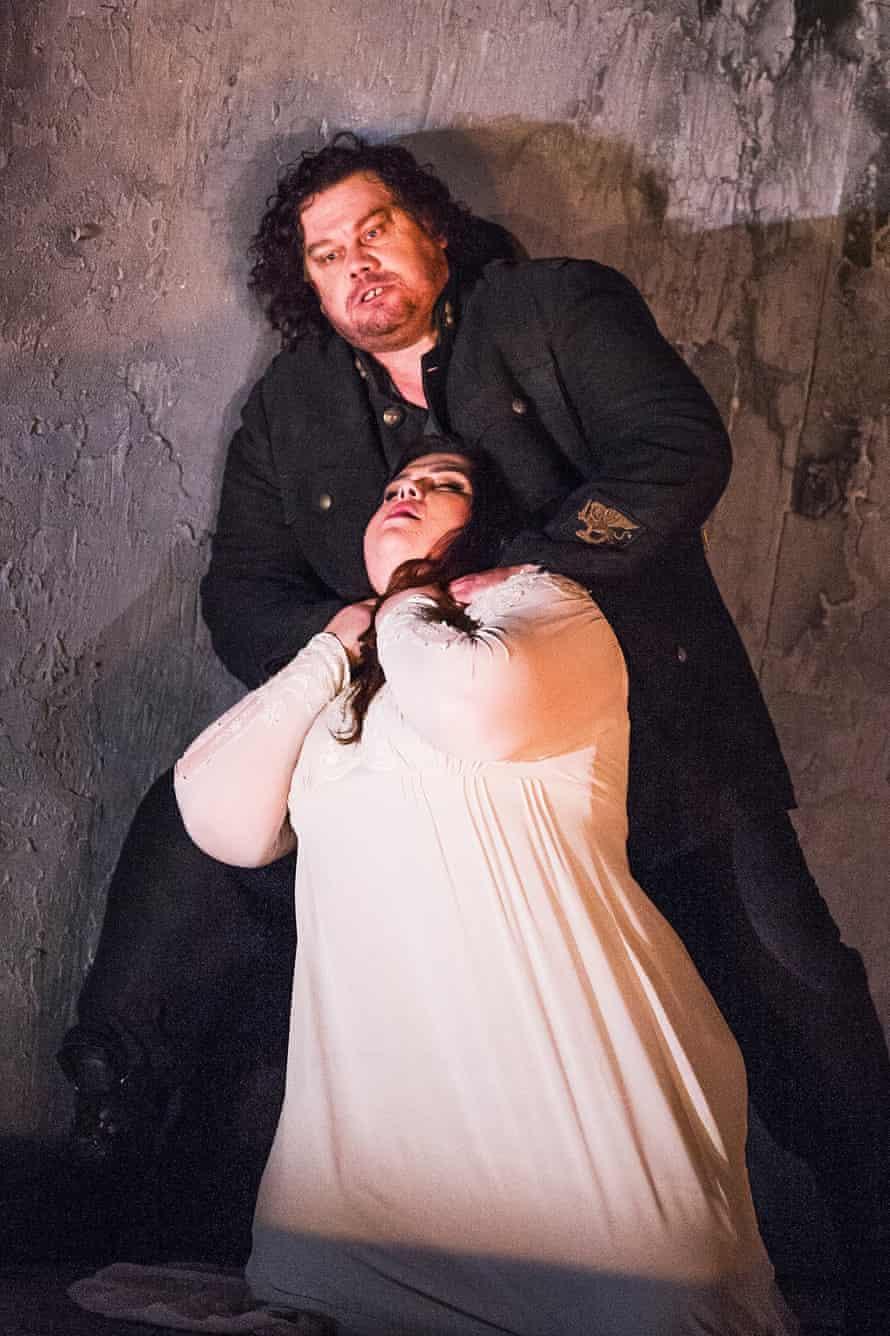 Leah Crocetto as Desdemona and Stuart Skelton as Otello