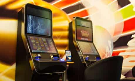 Fixed odds roulette machines
