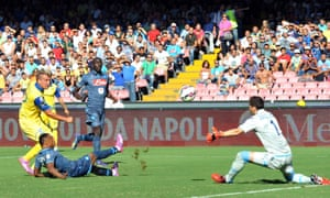 Chievo's Maxi Lopez scores against Napoli.