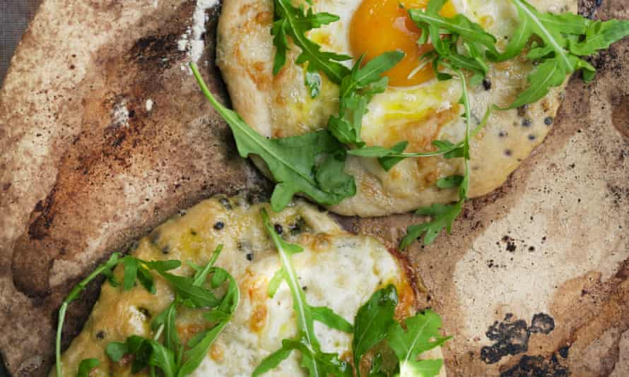 Nigel Slater's hemp-seed pizza with egg and rocket recipe