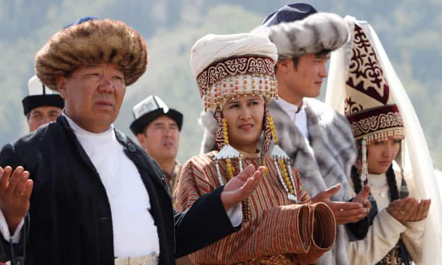 Kyrgyz artists perform 'Kyrchyn' during the games
