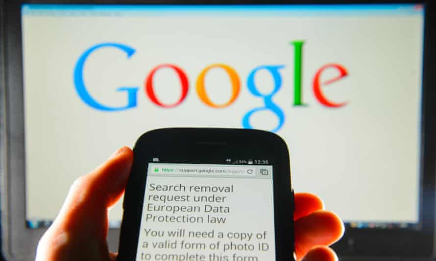 Google search removal request displayed on the screen of a smart phone