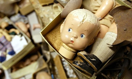 Repairs New York Doll Hospital