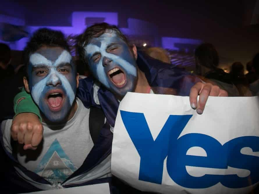 Two Edinburgh residents make their voting intentions clear