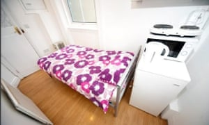 A Studio flat to rent in Earls Court in Right Move