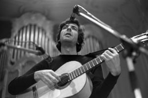 Hamburg, 4 May 1970 Leonard Cohen performs on stage at the Musikhalle.