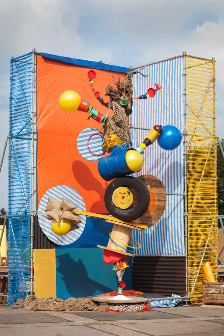 An installation by Lorenzo Vitturi at Unseen 2014.