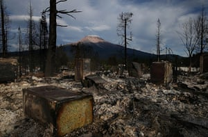 20 photos: Quick Spreading Wildfire Burns 100 Homes In Northern California