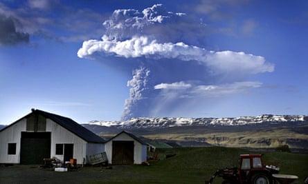 Grímsvötn in Iceland erupting in 2011