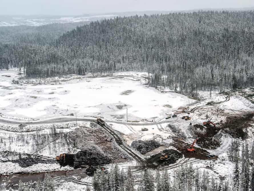 An aerial view of frozen Finnish lake Kivijaervi after waste water began to leak from a nearby mine on November 12, 2012 in Talvivaara. Toxic levels of nickel have been found in a Finnish lake after waste water began to leak from a nearby mine, the government's environmental agency said.