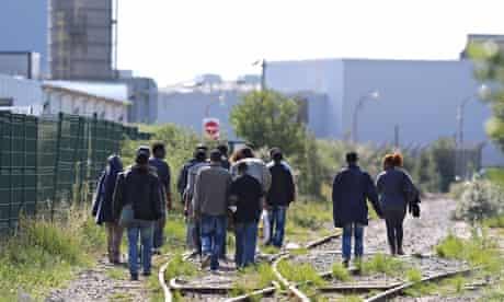 Calais migrants 12 million UK government