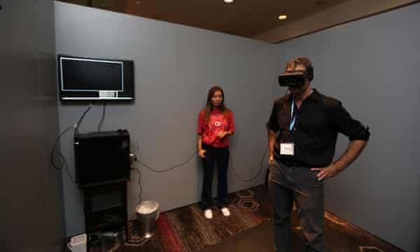 Andrew Gumbel tests Oculus