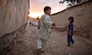 Mehran Rafaat playing at home