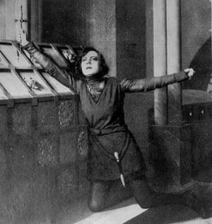Asta Nielsen as Prince Hamlet