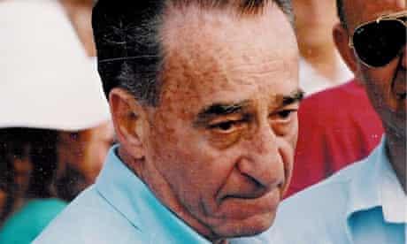 Mike Harari at a funeral in Tel Aviv in 1994.