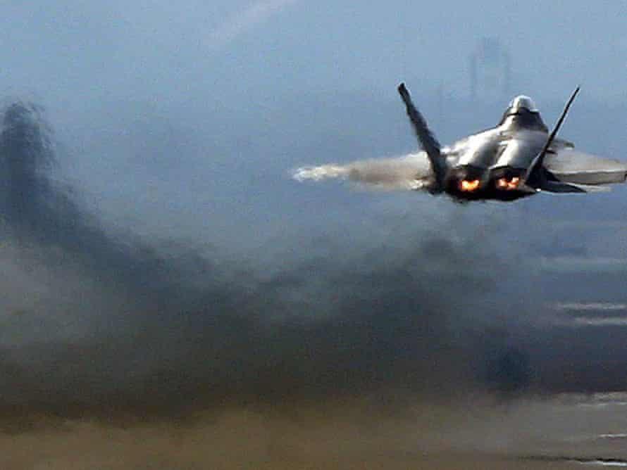 A US Air Force F-22 Raptor stealth fighter jet.