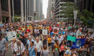 Hundreds of thousands of protestes march through Manhattan during the People's Climate March