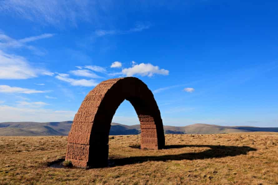 Part of Andy Goldsworthy's Striding Arches.