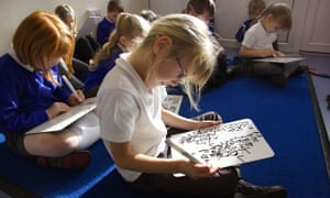 Phonics reading classes at a primary school in Devon
