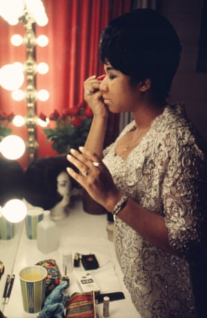 Aretha Franklin in her dressing room at Newark Symphony Hall in 1969