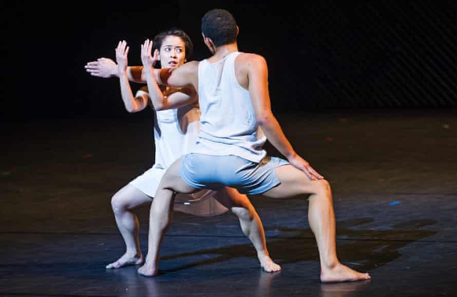 Mariko Kida (Juliet) and Anthony Lomuljo (Romeo).