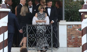 US Vogue magazine editor-in-chief Anna Wintour (C) leaves hotel Cipriani for a party at Aman Resort in Venice, Italy, 27 September 2014.