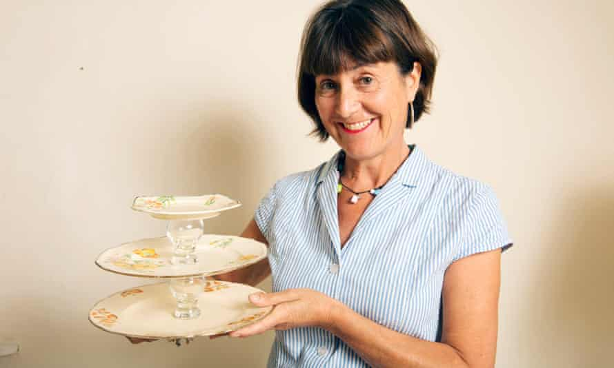 Julia with her cake stand.
