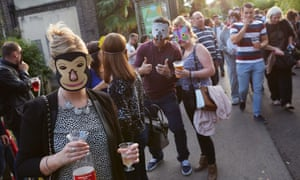 "On Friday nights throughout the summer, London Zoo hosts ""Zoo Lates"" parties, where gates open at 6 pm and revellers can drink and be merry in and around the enclosures, enjoying activities such as animal talks, comedy performances and a silent disco. London, 11/07/14"