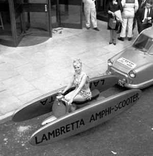 Amphibious scooter
