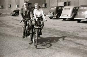 An experimental tandem bicycle