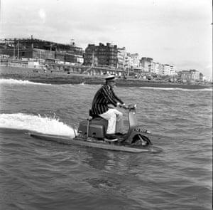 An amphibious vehicle