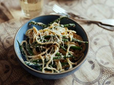 bread pasta sauce