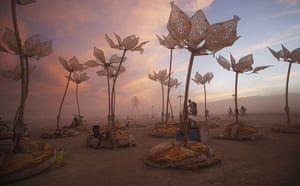 20 Photos: The art installation Pulse & Bloom at the Burning Man 2014 festival