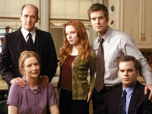 The cast from Six Feet Under pose, clockwise from top left: Richard Jenkins, Lauren Ambrose, Peter Krause, Michael C. Hall and Frances Conroy, in an undated promotional photo. (AP Photo/HBO, Art Streiber)