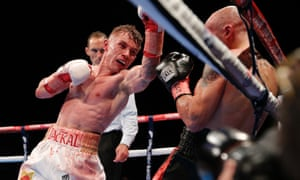 Frampton launches an assault in the 12th and final round.