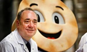 SNP leader Alex Salmond visits Brownings Bakers in Kilmarnock.