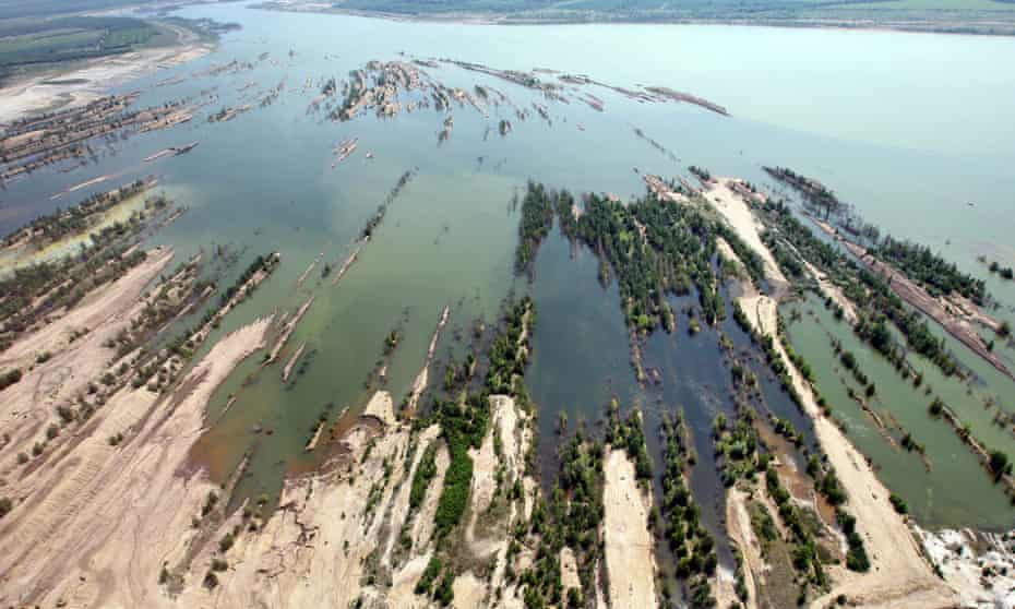 The aerial shows the flooded Zwenkau Lake in Zwenkau, Germany, 22 May 2012. The recultivation of East German lignite fields is making progress. According to the Lausitz and Middle-German Mining Administration, some 9.2 billion euros have been invested in the renovation of lignite fields by the end of 2011.