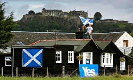 A yes supporter decorates his home