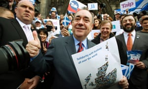 Scottish first minister Alex Salmond with a crowd of yes campaigners. 'Fair play and respect for democracy'