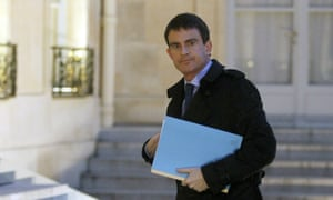 French prime minister Manuel Valls arrives to attend a crisis meeting at the Elysée presidential palace this morning.