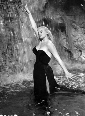 anita ekberg star of la dolce vita dies aged 83 film the guardian. Black Bedroom Furniture Sets. Home Design Ideas