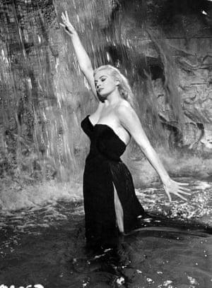 cropped-Yvonne-Furneaux-in-La-dolce-vita-1960.jpg - FILM
