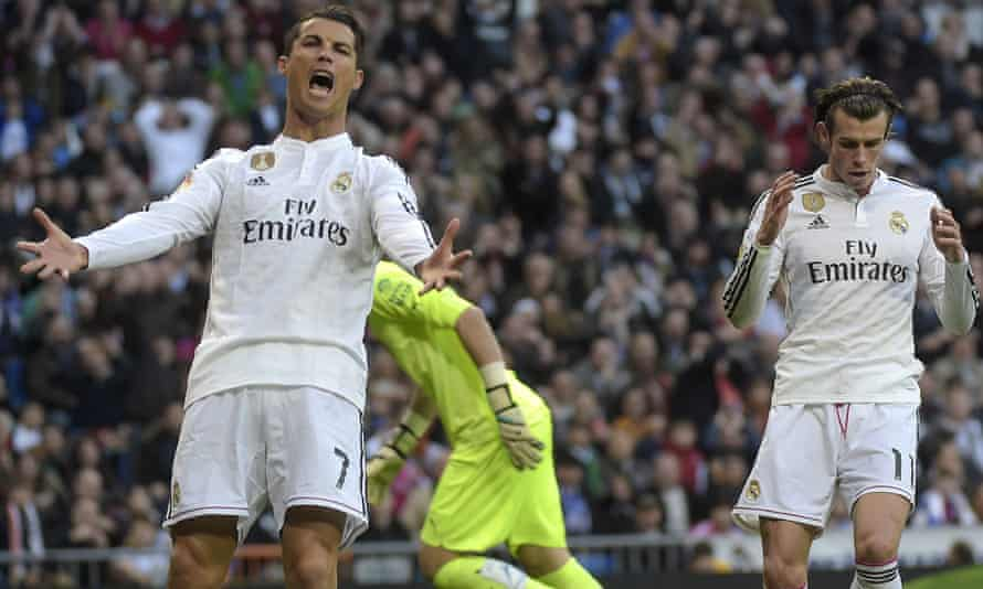 Cristiano Ronaldo offers Gareth Bale some interesting news about his mother.