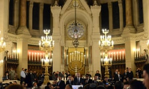 Binyamin Netanyahu addresses the memorial service held at Paris's Great Synagogue